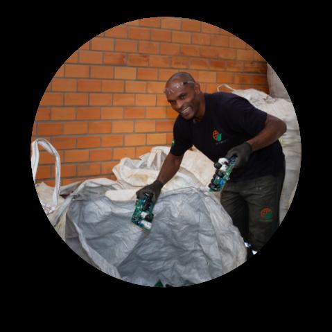 Serviços | Serviços para pessoas jurídicas | Sete AmbientalColeta e Reciclagem de Lixo Eletrônico
